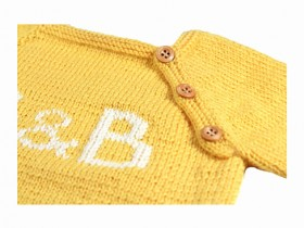 baby_sweater_yellow