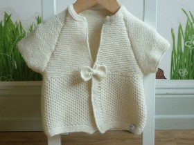 hand_knitted_white_shortsleeves_ cardigan