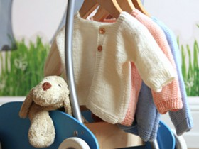 knitted_baby_sweater