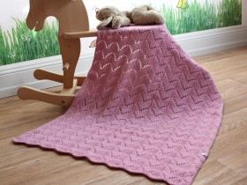 pink_blanket_for_girl