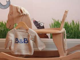 B_&_B_sweater_knitted_baby