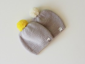 baby_hat__with_pompom