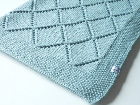 hand_knitted_blanket